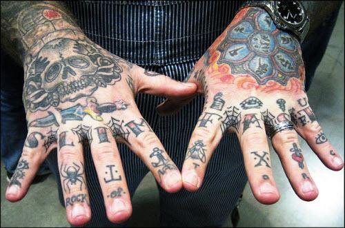 фото тату на пальцах мужские